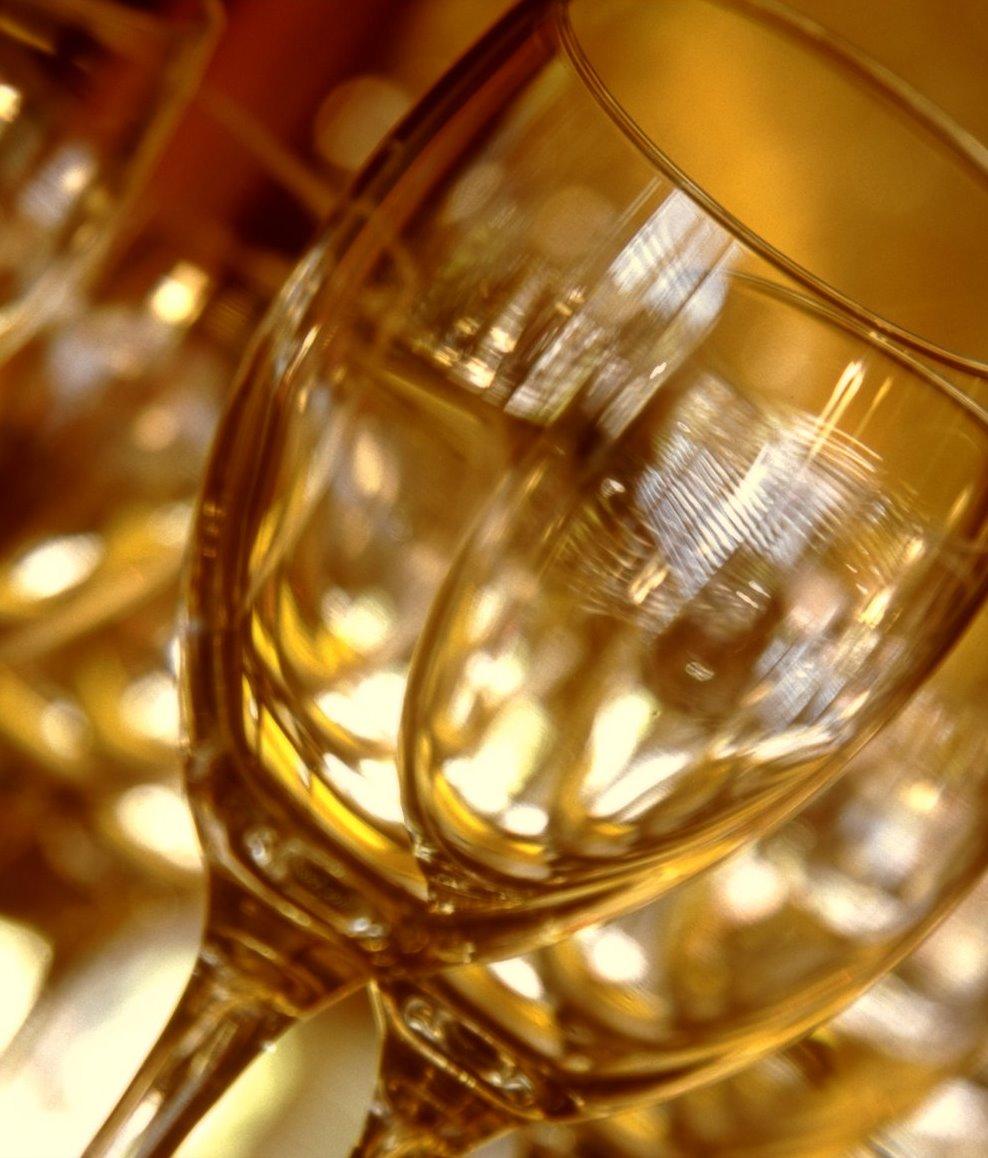 Wineglass-closeup-2.jpg